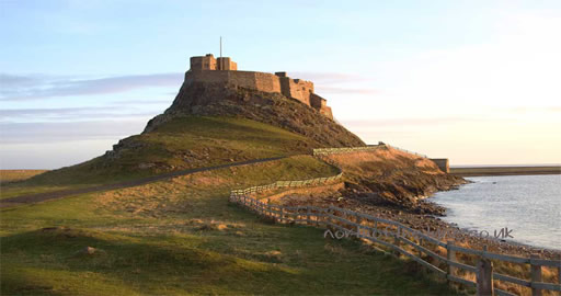 Holy Island and Alnwick Castle Tour